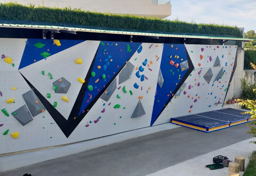 view climbing wall climbers house
